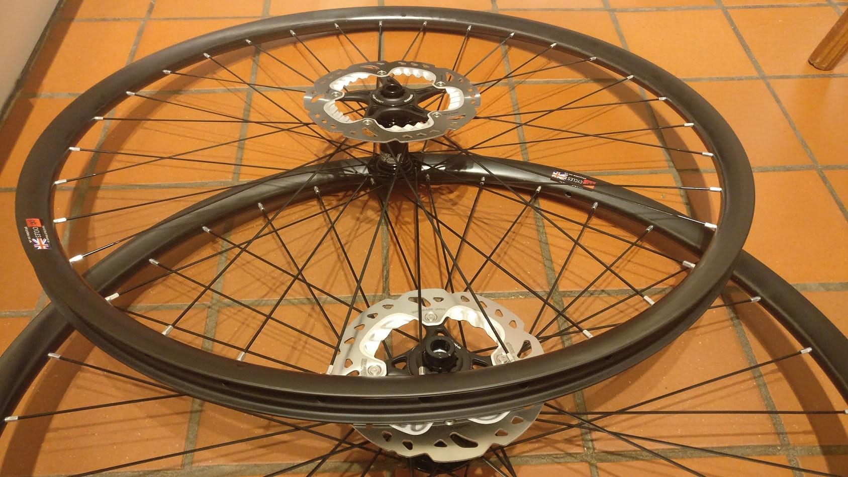 carbon gravel wheelset