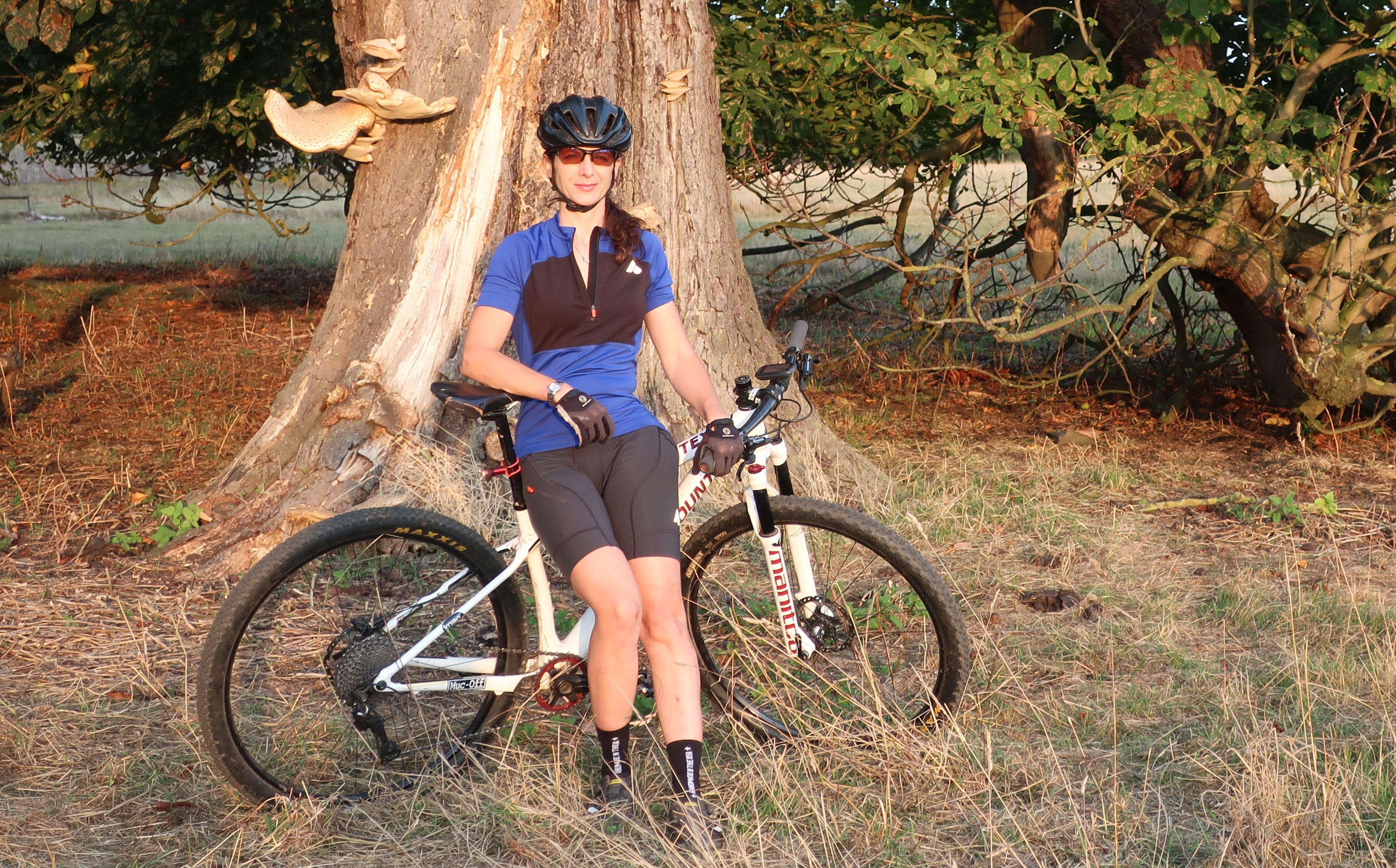 Aussie Grit Flint Women's Trail Jersey and Shorts