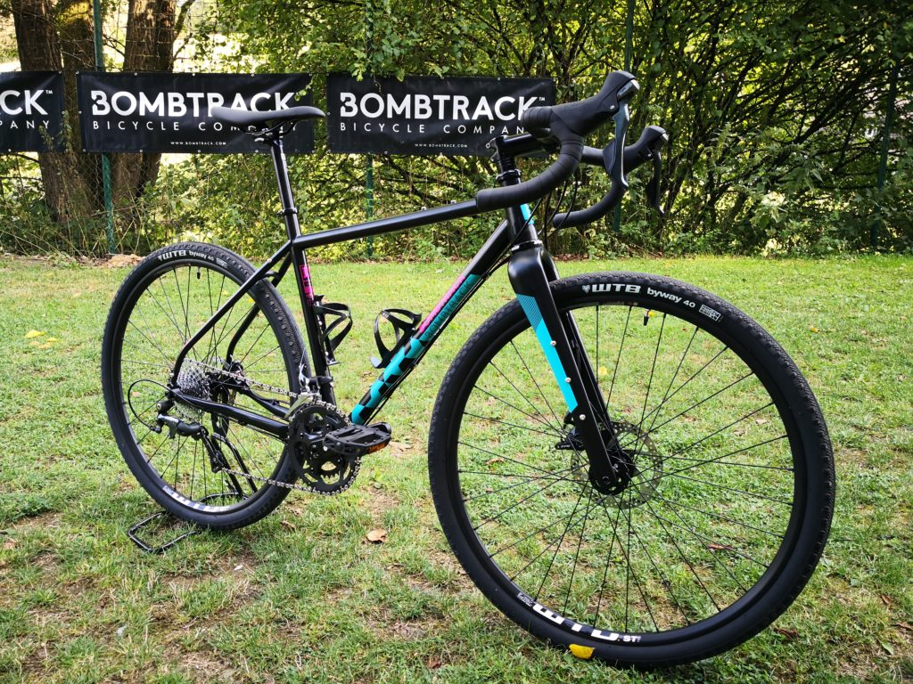 Bombtrack Hook 2 WMN