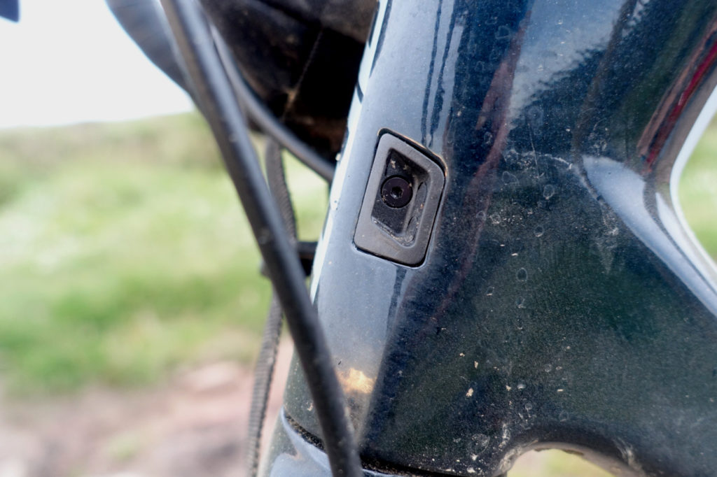 Giant revolt Advanced 0 Internal cable routing